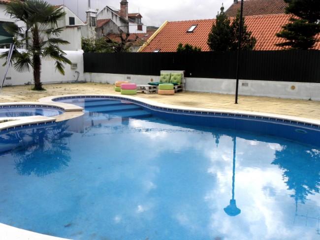 Divine swimming pool bar, Tomar