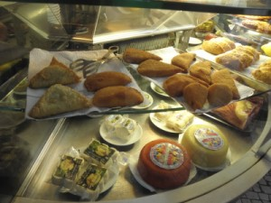 Food tours, Lisbon – Discover wonderful Lisbon from a local viewpoint and eat all the way