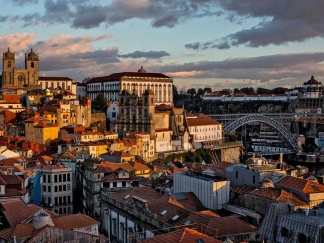 Car tour of Porto