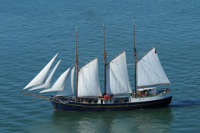 Sailing cruises, Lisbon