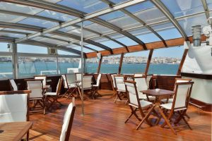 Themed boat cruises of the Tagus river for groups and events, Lisbon