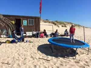 Team building beach games, SUP, surf and kitesurf – Costa da Caparica, Lisbon